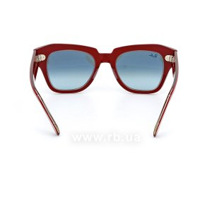 Очки Ray-Ban State Street RB2186-1296-3M Red | Blue Gradient, вид сзади