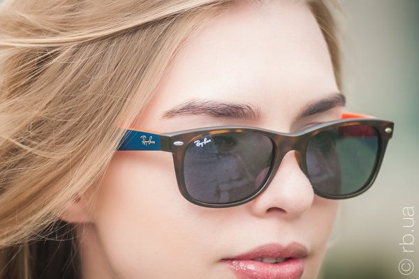Ray-Ban New Wayfarer Color Mix RB2132 6180/R5 на людях 5