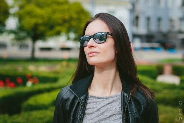 Ray-Ban New Wayfarer RB2132 622/30 на людях 1