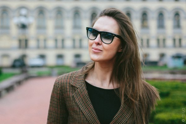 Ray-Ban Original Wayfarer RB2140 1001/3F на людях 3