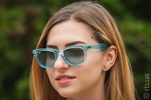 Ray-Ban Original Wayfarer Ice Pops RB2140 6055/4M на людях 2