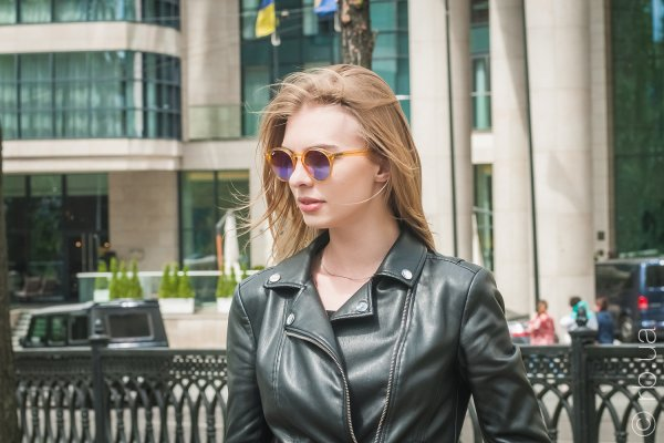 Ray-Ban Highstreet RB2180 6277/B1 на людях 1