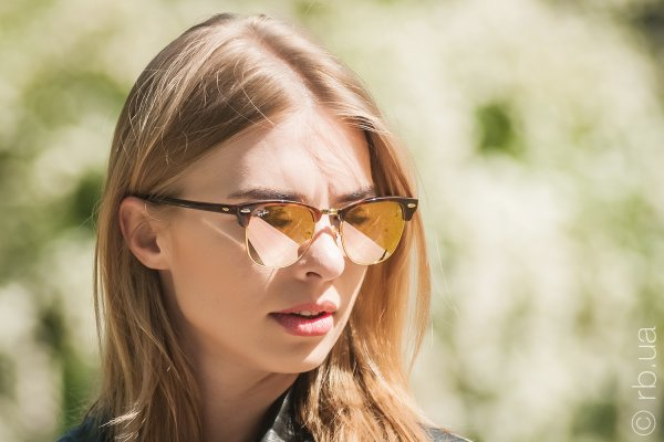 Ray-Ban Clubmaster Flash Lenses RB3016 990/7O на людях 6