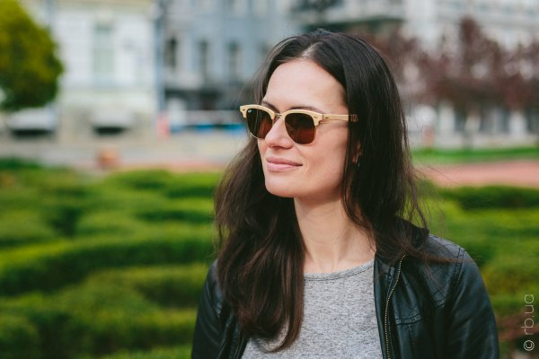 Ray-Ban Clubmaster Wood RB3016M 1179 на людях 3