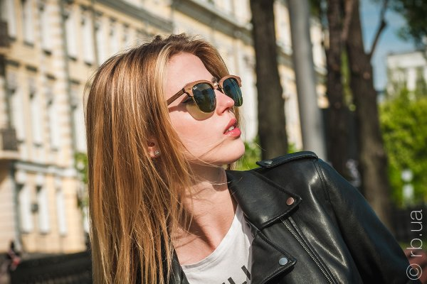 Ray-Ban Clubmaster Wood RB3016M 1182/4E на людях 3