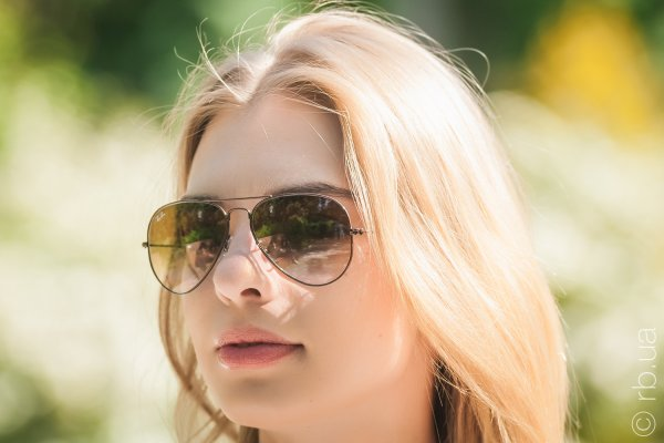 Ray-Ban Aviator Large Metal RB3025 014/51 на людях 4