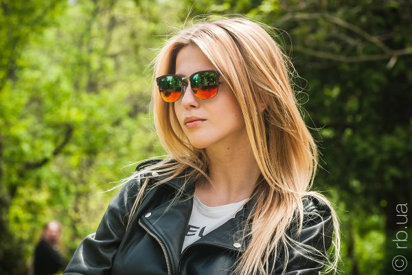 Ray-Ban Clubmaster Metal RB3538 9006/A8 на людях 4