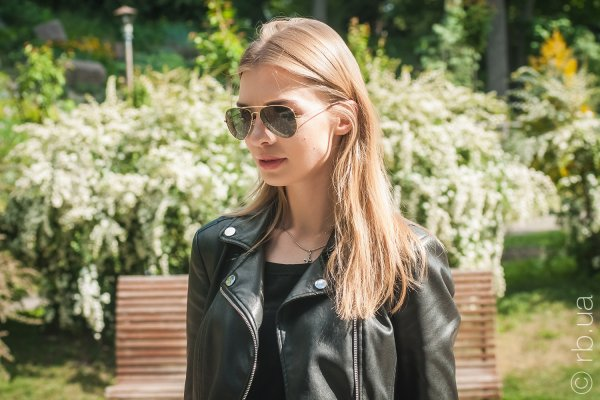 Ray-Ban Youngster Aviator RB3558 001/71 на людях 1