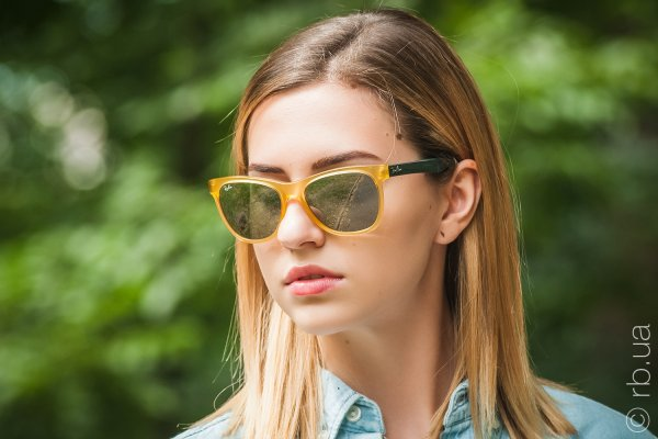 Ray-Ban Highstreet RB4184 6043/40 на людях 5