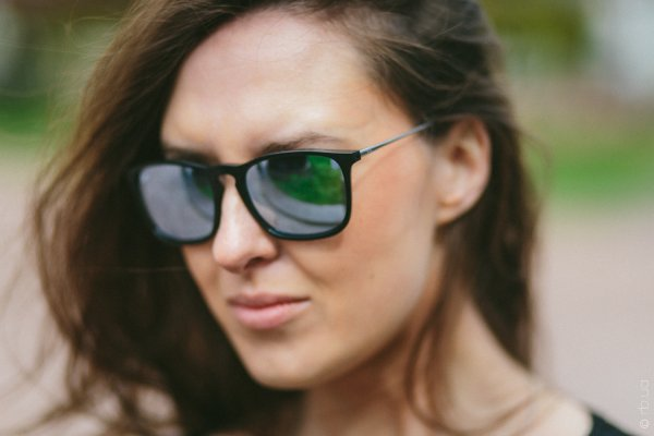 Ray-Ban Chris RB4187 601/30 на людях 1