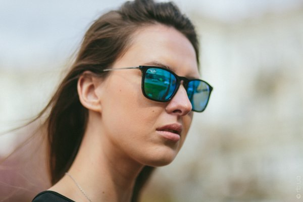 Ray-Ban Chris RB4187 601/55 на людях 2