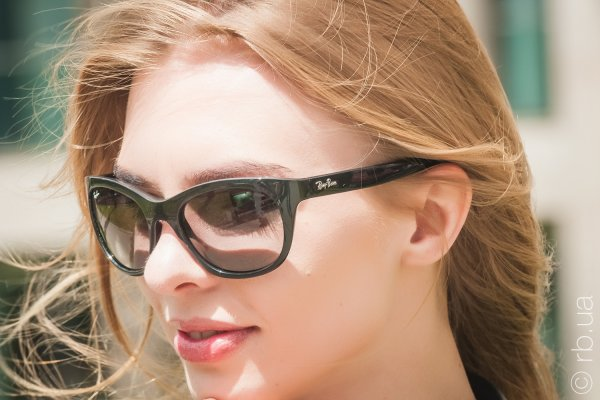 Ray-Ban Highstreet RB4216 601/11 на людях 3