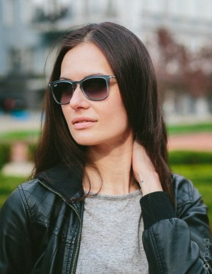Ray-Ban Youngster Wayfarer RB4221 6226/8G на людях 1