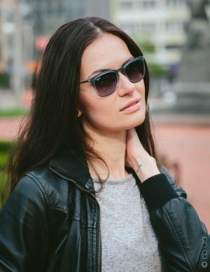 Ray-Ban Youngster Wayfarer RB4221 6226/8G на людях 2