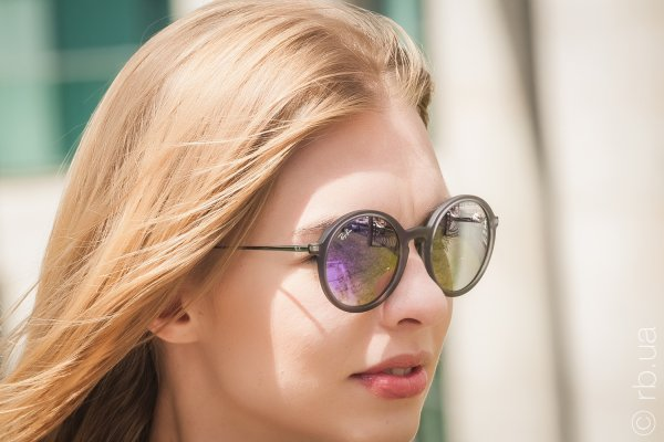 Ray-Ban Youngster Round RB4222 6168/4V на людях 2