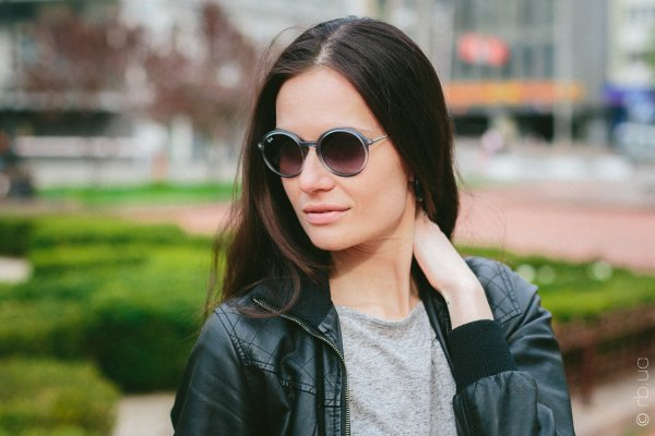 Ray-Ban Youngster Round RB4222 6226/8G на людях 1