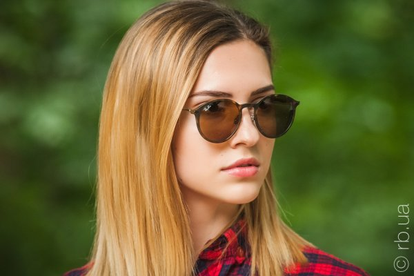 Ray-Ban Round LightRay RB4224 894/73 на людях 12