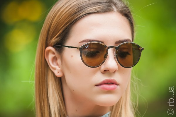 Ray-Ban Round LightRay RB4224 894/73 на людях 6