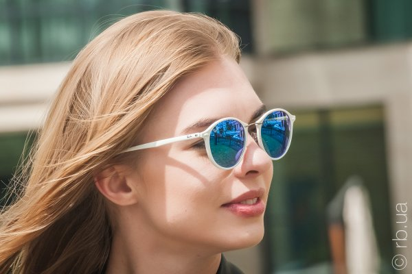 Ray-Ban Round II LightRay RB4242 671/55 на людях 2
