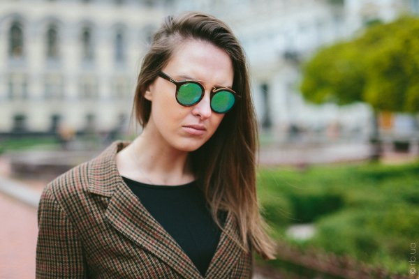 Ray-Ban New Gatsby I RB4256 6092/3R на людях 1
