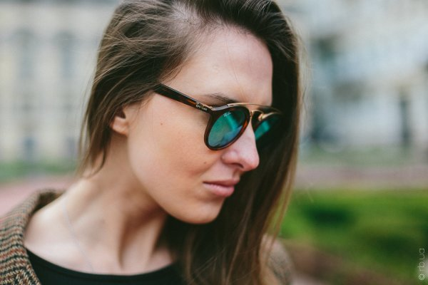 Ray-Ban New Gatsby I RB4256 6092/3R на людях 4