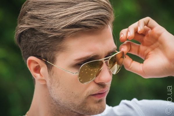 Ray-Ban Ultra Aviator RB8029K 040K/N3 на людях 5